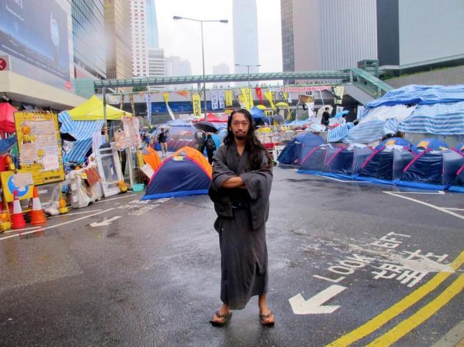 伊藤研人 雨傘革命 香港 浴衣