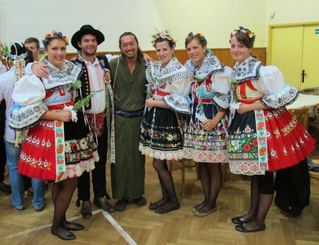チェコ 伝統衣装